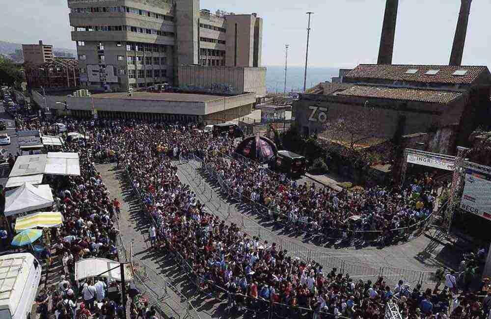 Etna Comics folla in piazzale Asia a Catania nell'edizione 2019