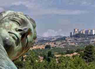 Uno scorcio di Agrigento visto dalla Valle dei Templi