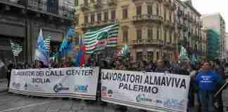 Almaviva, lavoratori in protesta (foto Uilcom Sicilia pre emergenza Covid-19)
