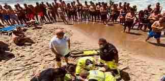 Cefalù operazione di soccorso sulla spiaggia