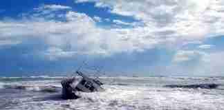 Una barca arenata